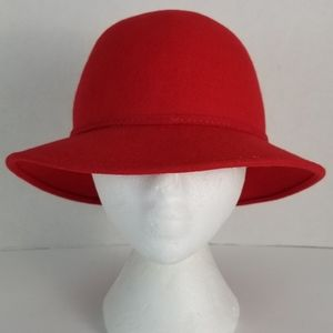 Vintage - Federici Accessories - Vintage Red Wool Hat with Gold Embellished Bow